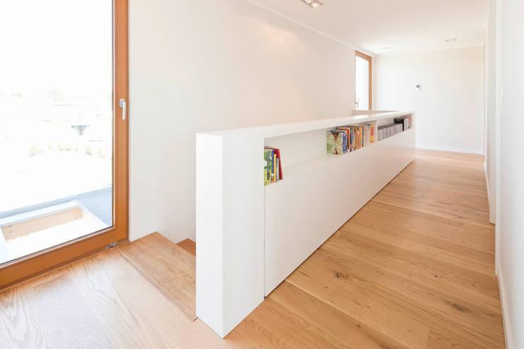 Walls by in_design architektur, Modern