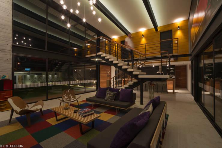 ALD Salones modernos de SpAce Moderno