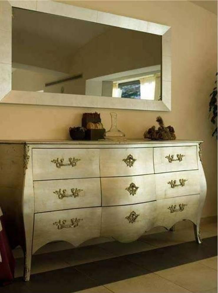mueble clasico : Comedor de estilo  de Ale debali study