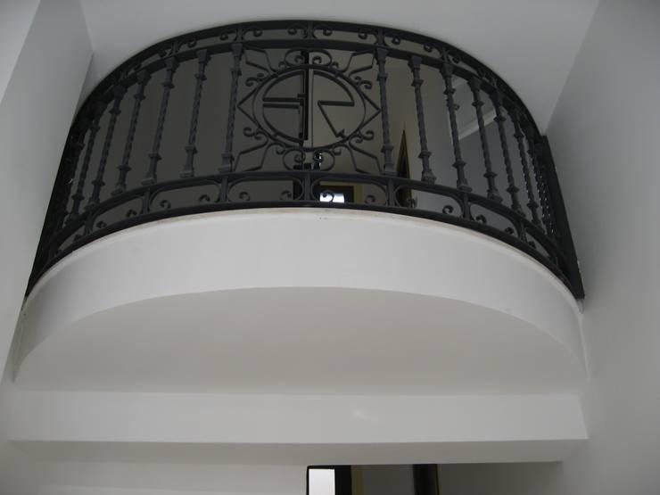 Edificio de Viviendas en Madrid:  de estilo  de Estudio de Arquitectura LAM