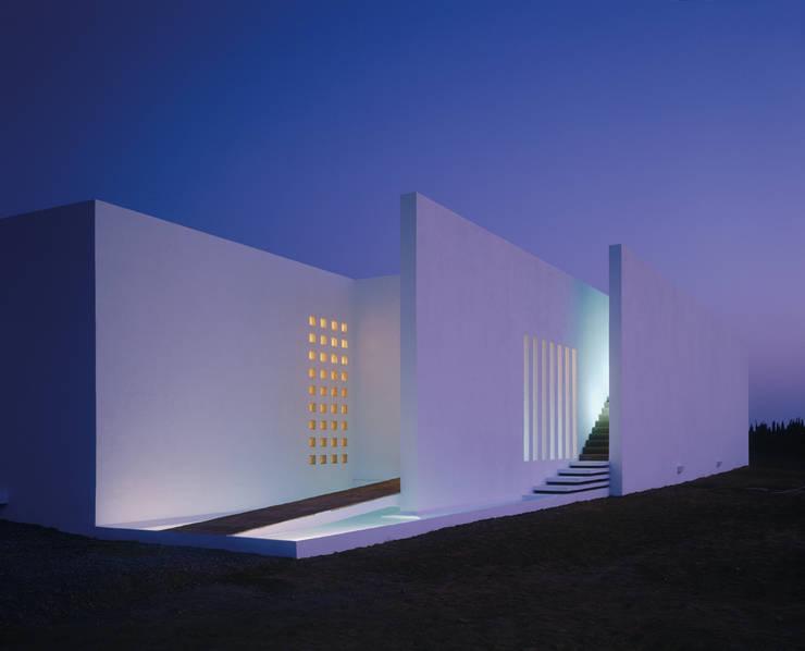 Maison FOBE:  de style  par Guilhem EUSTACHE Architecte DESA