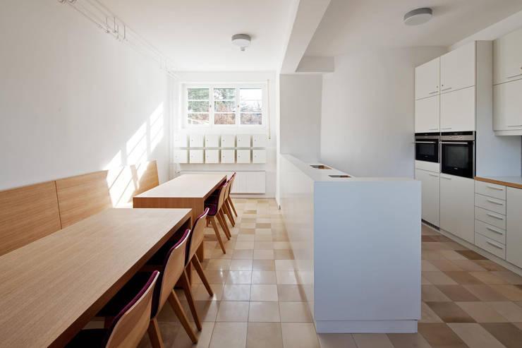 Internationales Gästehaus der Hochschule Darmstadt:  Küche von THOMAS GRÜNINGER ARCHITEKTEN BDA,