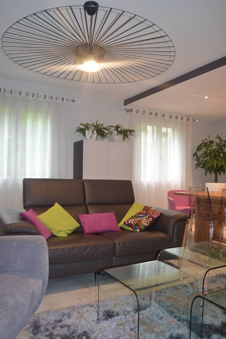 Projet 001: Maisons de style  par TOUT EN NUANCES