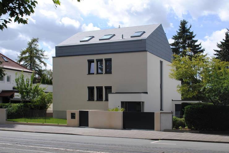 Wohnhaus LU87:  Häuser von THOMAS GRÜNINGER ARCHITEKTEN BDA