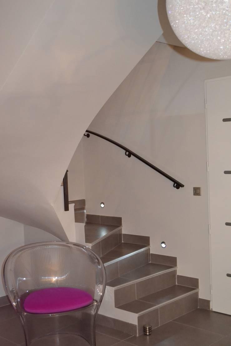Projet 002: Salon de style  par TOUT EN NUANCES