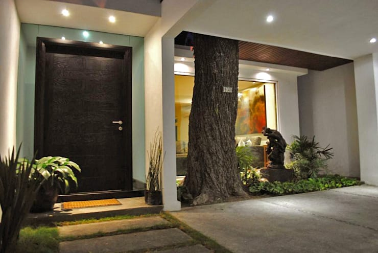 by CORTéS Arquitectos