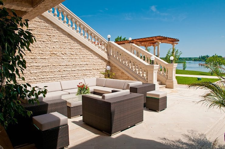 Balcone, Veranda & Terrazzo in stile  di D&L Stonedel