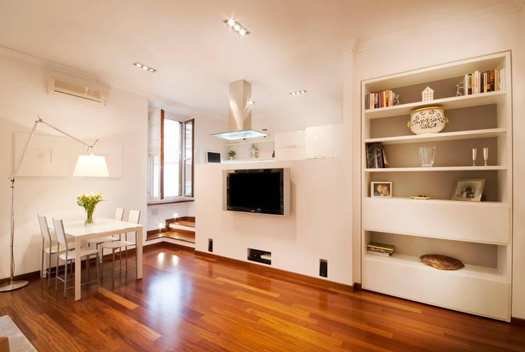 Casas de estilo minimalista por Graphite