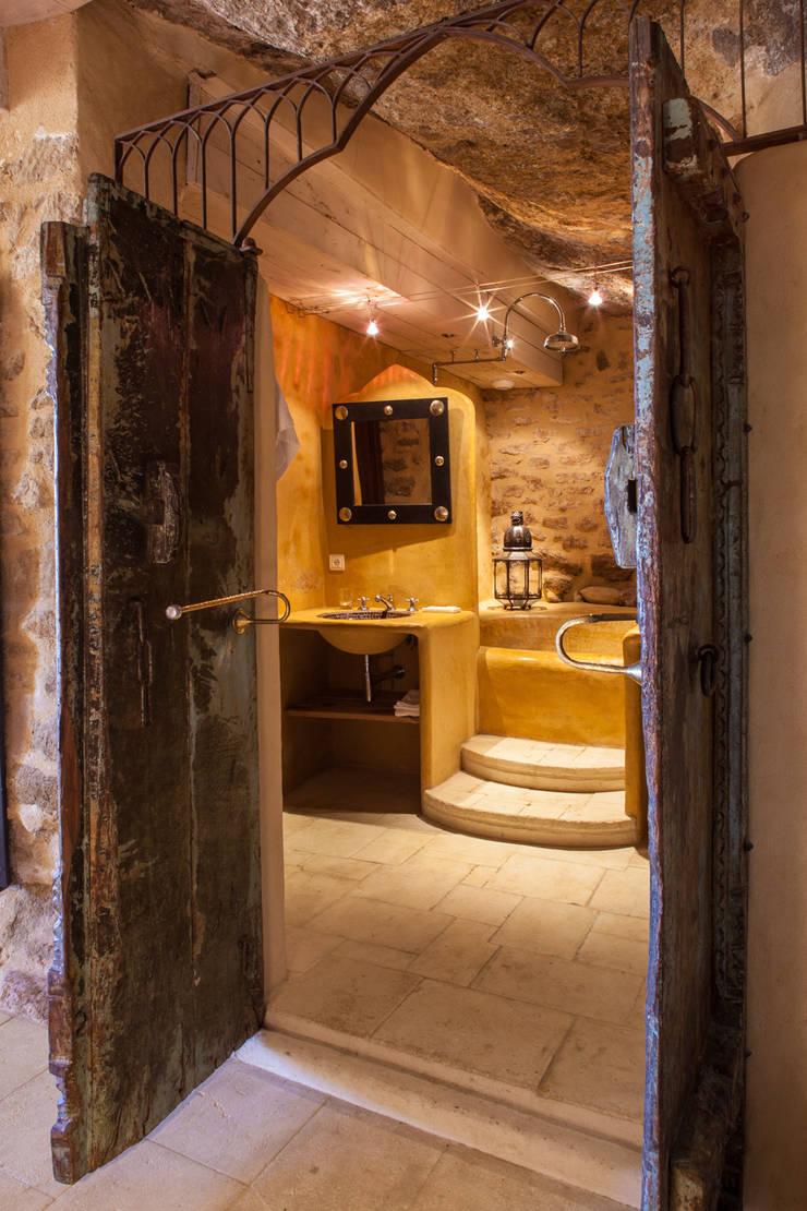 Salle de bain:  de style  par Franck Fouquet