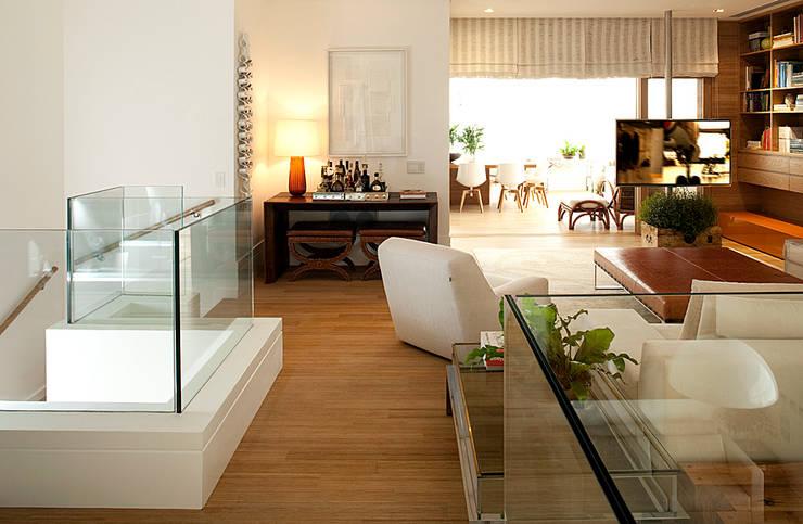 ABRM APARTAMENTO: Casas  por Noura van Dijk Interior Design