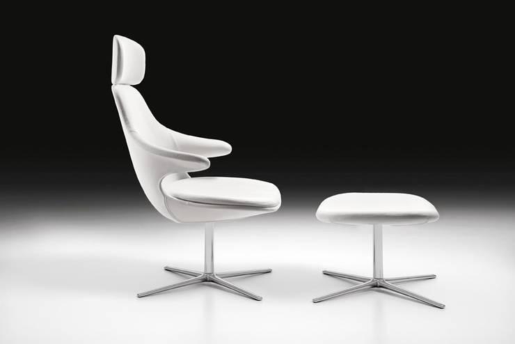 minimalistic Study/office by Diseño e Interiorismo
