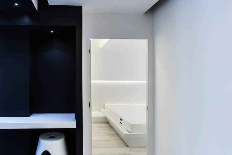 Quartos modernos por Arch. Andrea Pella