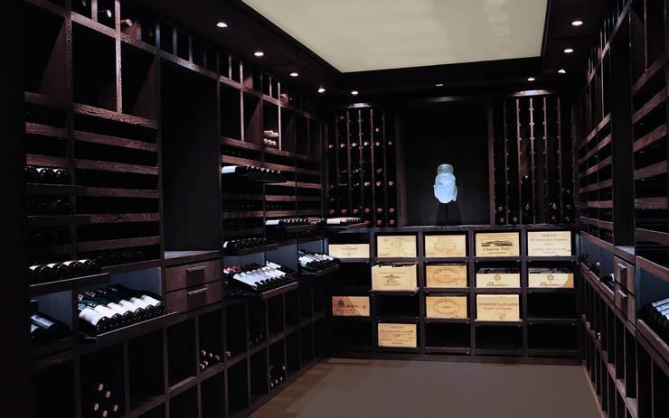 Cave à vin sur mesure en wengé - Luxembourg: Cave à vin de style de style Classique par Degré 12
