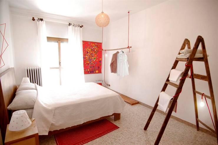 Habitaciones de estilo  por FattoreQ fabbrica