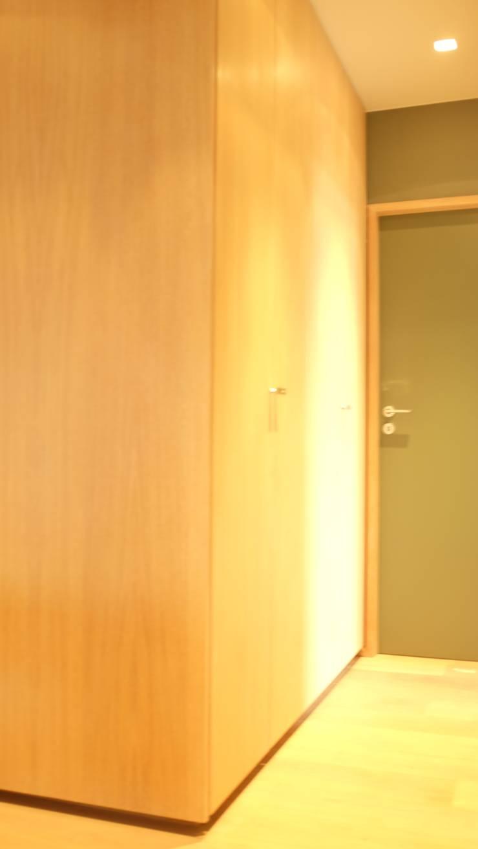 APPARTEMENT BRUXELLOIS: Maison de style  par ma-interieur
