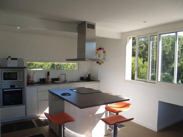Maison #6: Maisons de style de style Moderne par ATELIER FABRICE DELETTRE