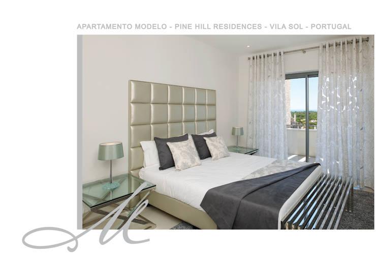 Model Apartment - Pine Hill Residences:   por Maria Raposo Interior Design