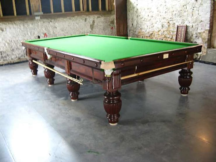 Refurbished 12ft George Edwards snooker table:  Study/office by John Bennett (Billiards) Ltd