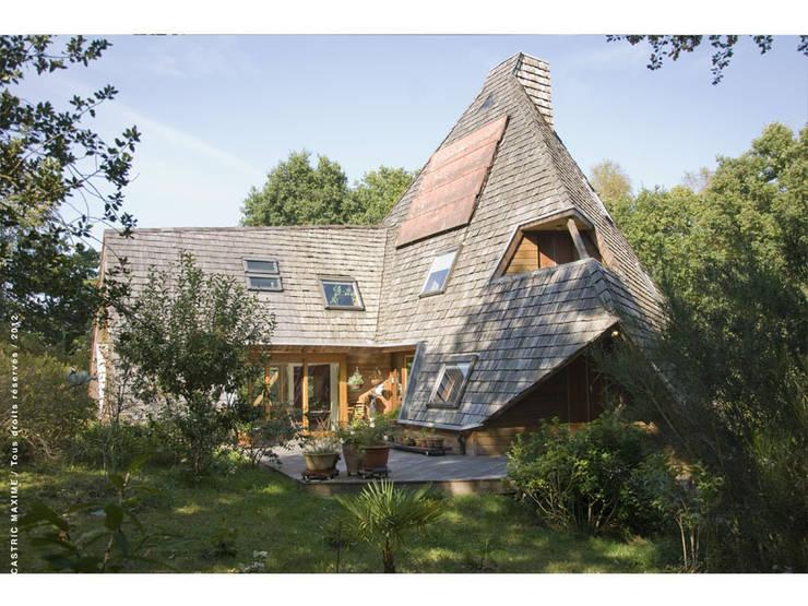 vue Est: Maisons de style  par Jean-Charles CASTRIC - architecte D.P.L.G.