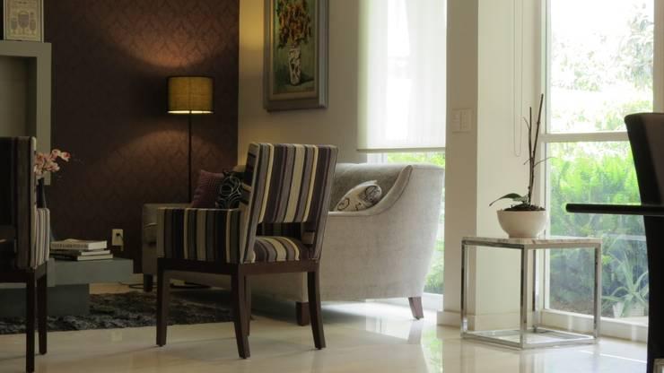 PALMAS 04: Salas de estilo  por NIVEL TRES ARQUITECTURA