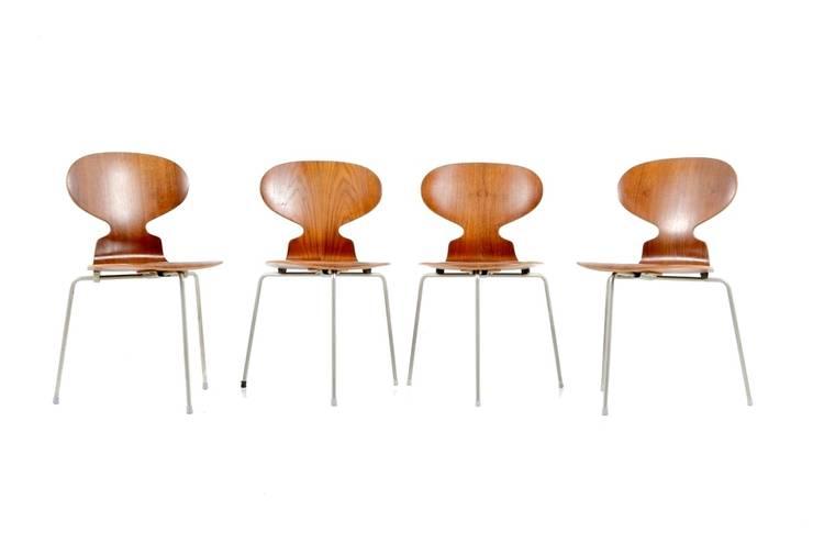 Arne Jacobsen Ant Chairs: skandinavische Esszimmer von Room of Art