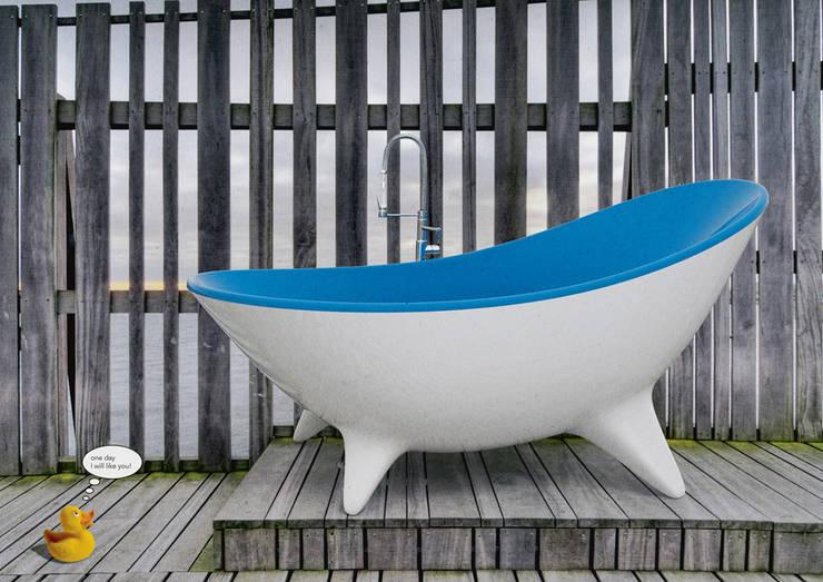Bathroom by MORENO RATTI