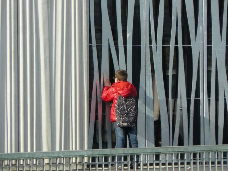 ESPACE ENFANCE - ASSOCIATIONS A BREST : Ecoles de style  par TOPOS ARCHITECTURE