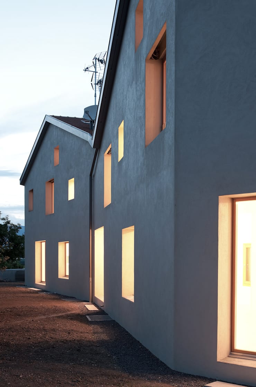 Habitations mitoyennes à Charrot: Maisons de style  par LRS Architectes