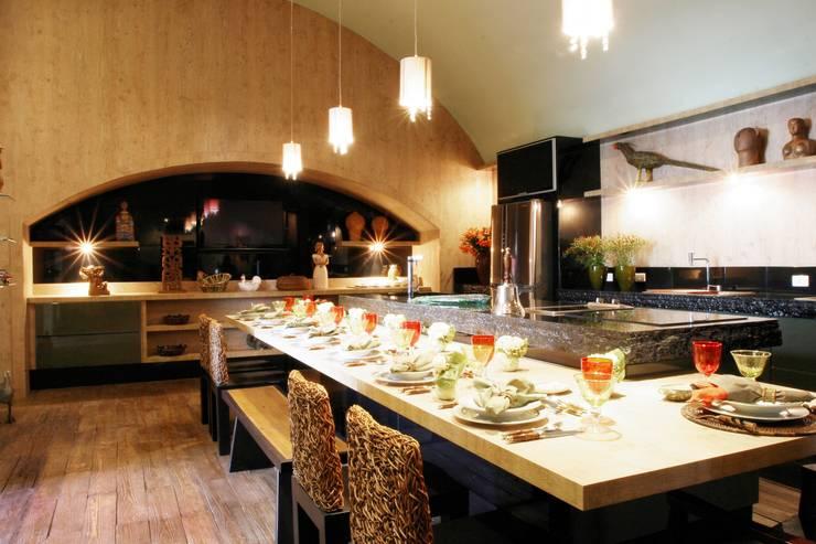 Cozinhas  por Adriana Scartaris design e interiores