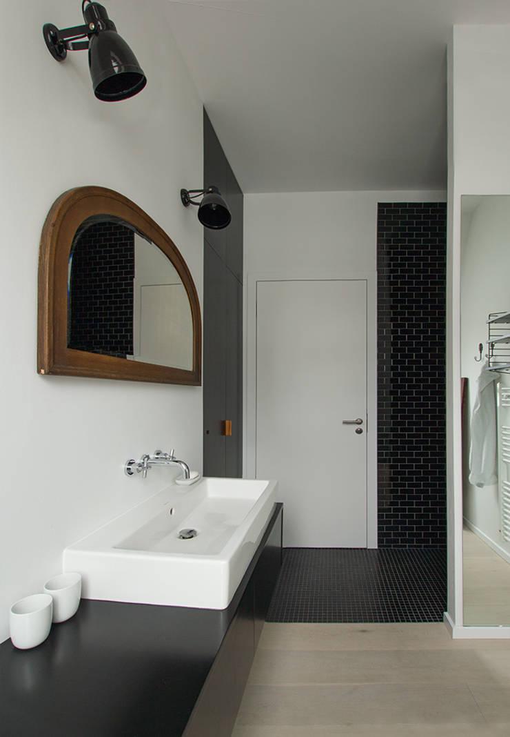 Bad im Vintage-Look:  Badezimmer von Berlin Interior Design