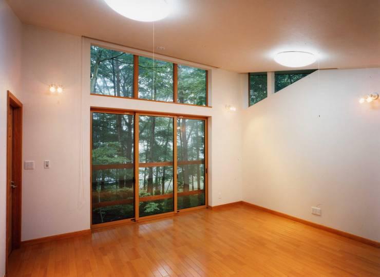 2階個室: PAPA COMPANY ARCHITECTURAL WORKS. /パパカンパニー1級建築士事務所が手掛けた子供部屋です。