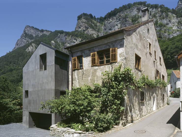 Fassade Süden:  Häuser von atelier-f ag