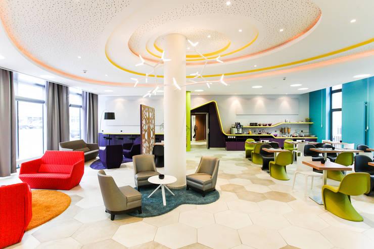 Cologne – entre effluves et Carnaval: Hôtels de style  par ICOM ARCHITECTURE