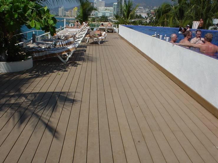 Hotel Fiesta Americana Condesa: Paredes y pisos de estilo  por Shimada Flooring