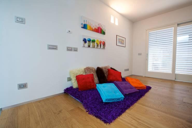 House A+S interior: Case in stile  di Franzoni Studio, Minimalista