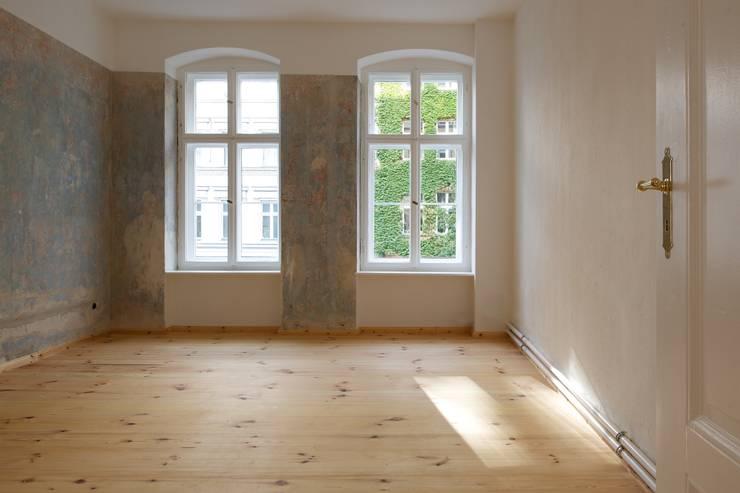 Wände: rustikale Schlafzimmer von Gabriele Riesner Architektin