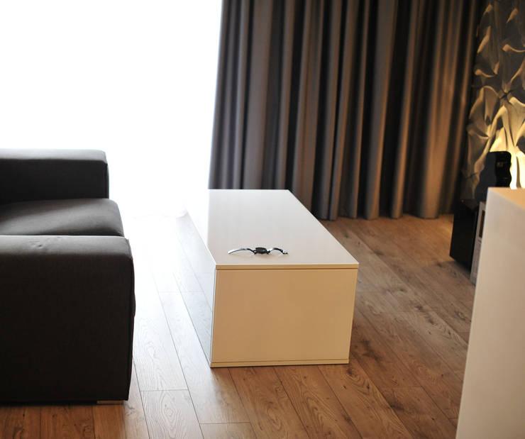 Modern living room by k.halemska Modern
