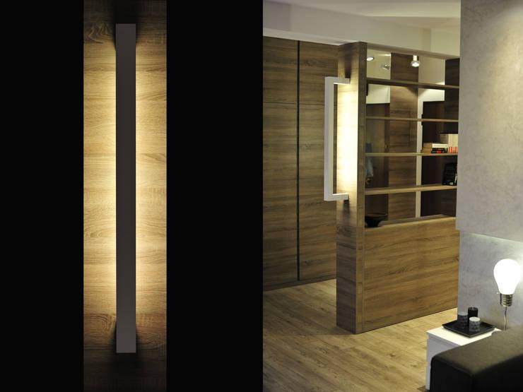 Modern corridor, hallway & stairs by k.halemska Modern