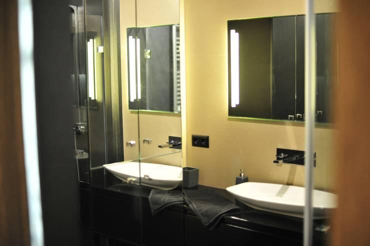 Modern bathroom by k.halemska Modern