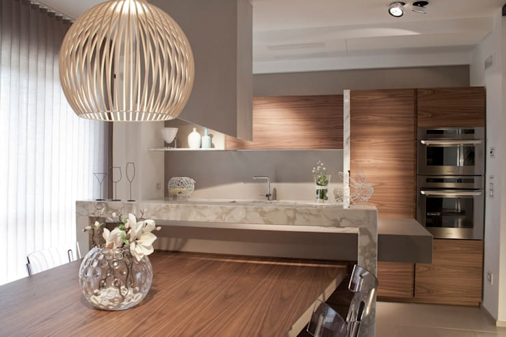 Residenza privata: Case in stile in stile Moderno di Galderisi architetto studio