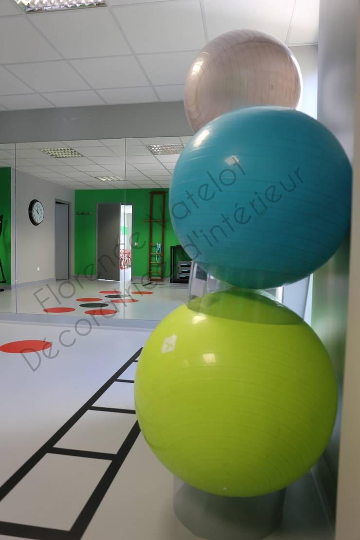 salle de sport: Bureaux de style  par Florence Vatelot Décoratrice d'intérieur