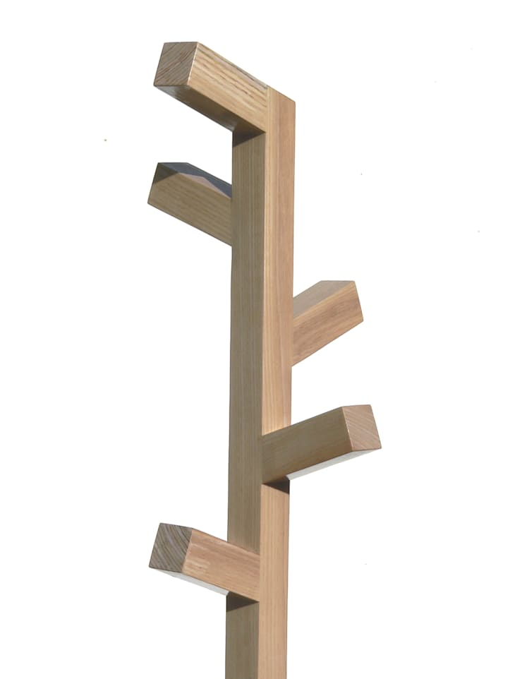 ORGANICA W, appendiabiti: Ingresso, Corridoio & Scale in stile  di Insilvis Divergent Thinking,