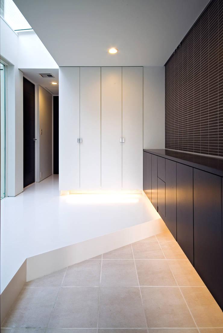 ソラトノツナガリ: ON ARCHITECTS / オン・アーキテクツが手掛けた廊下 & 玄関です。