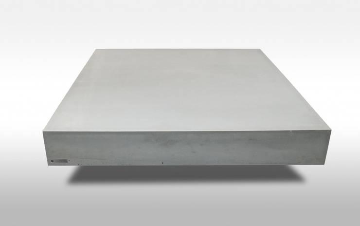 Beton Couchtisch Solidsquare by Monomentals:  Wohnzimmer von Monomentals