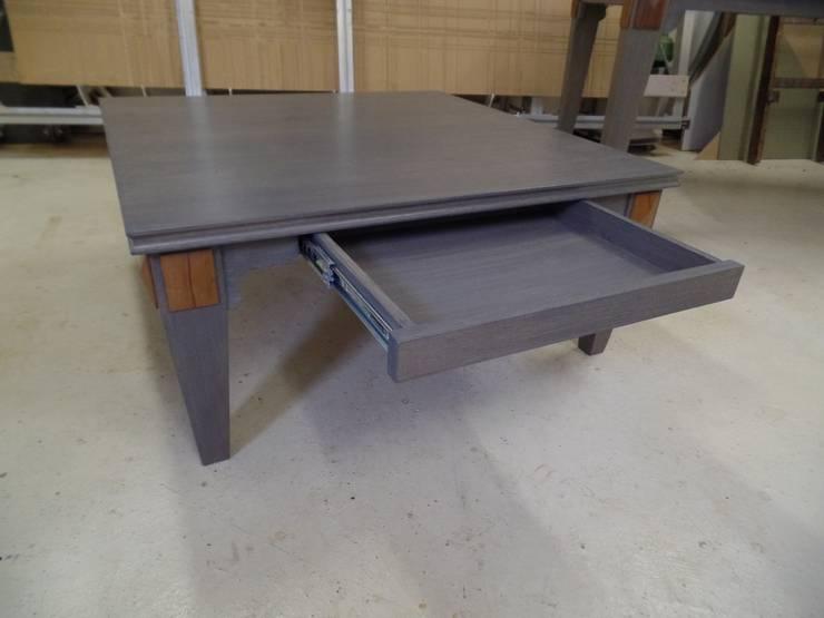 tafels:   door meubelmakerij De Molen