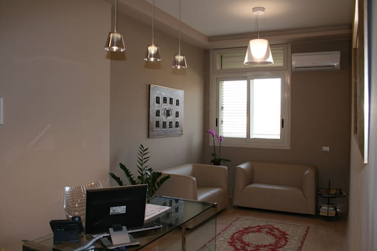 STUDIO LEGALE GB : Complessi per uffici in stile  di Studio Frasson