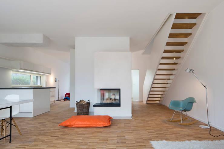 Projekty,  Salon zaprojektowane przez Maedebach & Redeleit Architekten