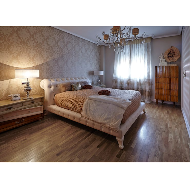 Cama de matrimonio Eva: Dormitorios de estilo moderno de Lola Glamour