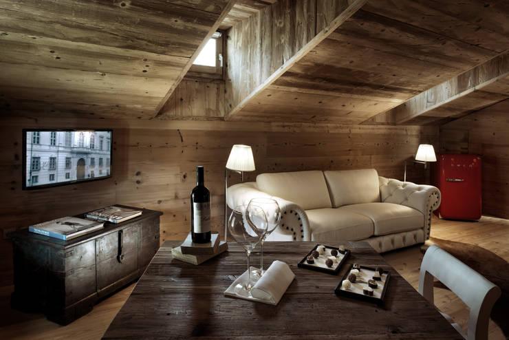Hotel Chesa Colani:  in stile  di Studio Bertolini Galli