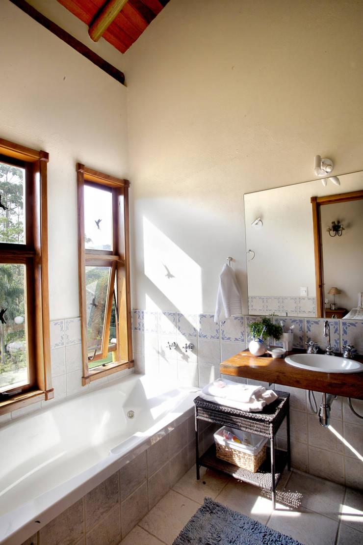 São Lourenço da Serra/SP: Casas  por Bianka Mugnatto Design de Interiores,